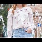 بلوزة شيفون طويلة ابيض برسمة الأزهار البنفسجية