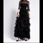 فستان أسود بطبقات مترادفة