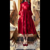 الفستان الأحمر الأنيق