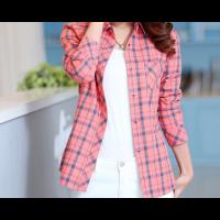 قميص الكاروهات الوردي