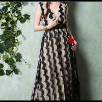 فستان دانتيل الكلف الأسود