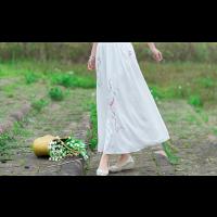 تنورة تطريز الورود الطولي