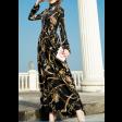 فستان النقوش الذهبية
