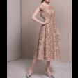فستان الذهبي الأنيق
