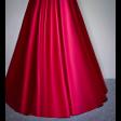 فستان ساتان الاحمر الفخم