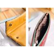 محفظة جلدية برسوم مختلفة
